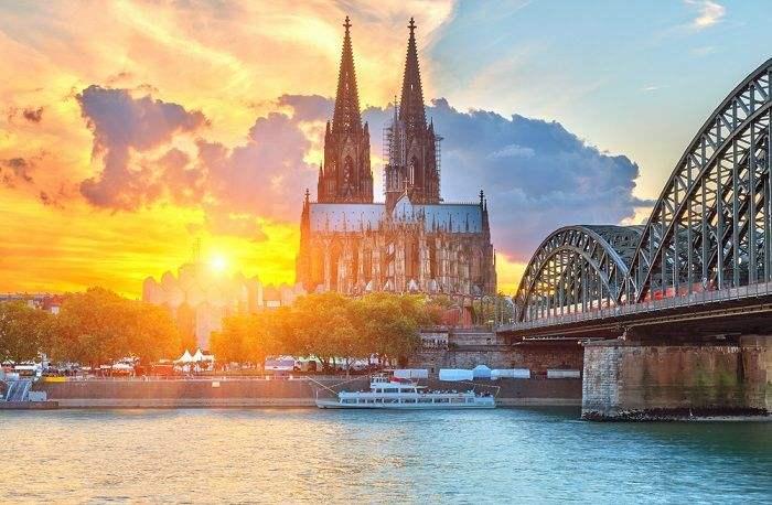 德国留学收藏贴|最全交通攻略!教你手把手玩转德国