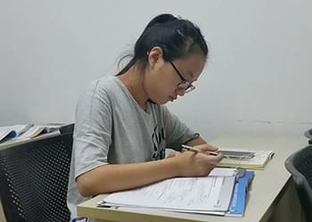 与西诺赵飞老师学法语是一次难忘的暑期经历